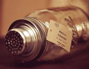 Mason-Jar-Cocktail-Shaker-3